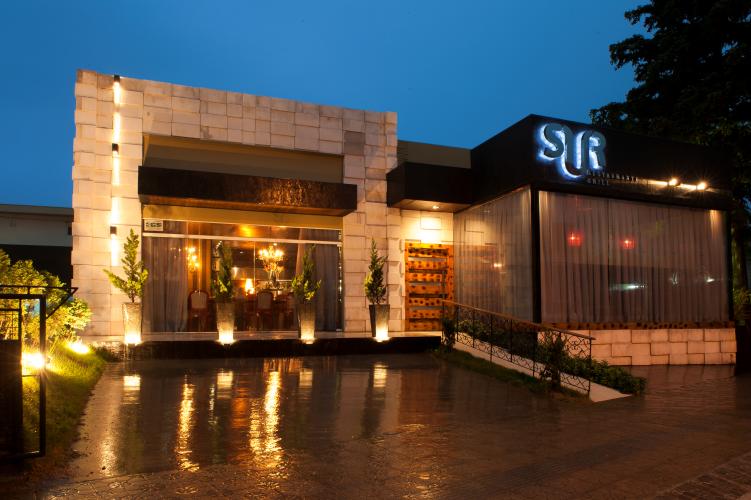 restaurante sur fachada