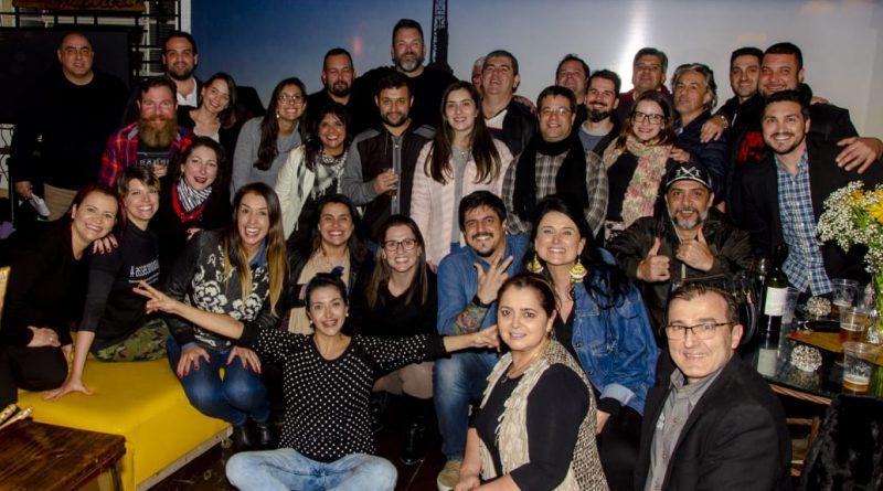 Workshops com Carne Hereford e Ogros Jimmy e Neves reúnem público expressivo em Porto Alegre e no Rio de Janeiro