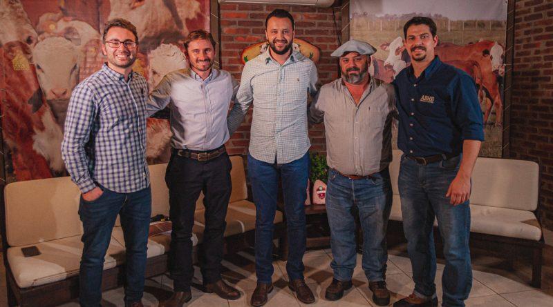 Programa Carne Hereford firma contrato com frigorífico do Paraná